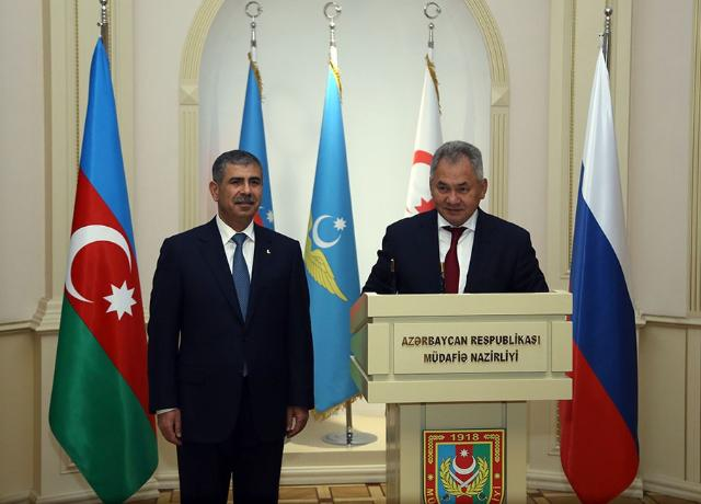 Azerbaijan and Russia Ministers of Defence discussed military cooperation (PHOTO, VIDEO)
